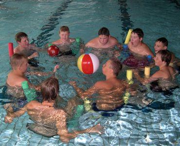 Schwimmkurs mit Trainer